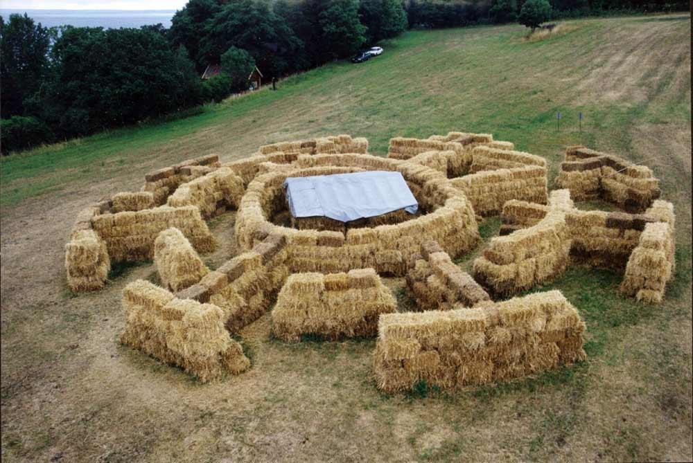 Labyrint 97 en landskaps pch videoinstallation 1997 av carsten